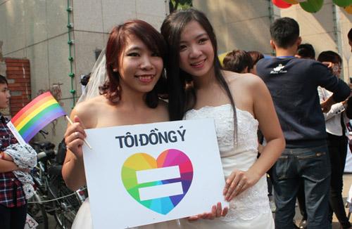 gaymarriagevietnam2